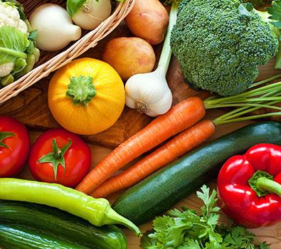 کاهش قیمت سبزیجات و صیفیجات در میدانهای میوه و ترهبار